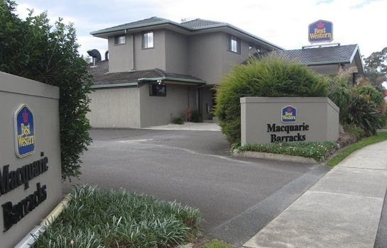 Exterior view Macquarie Barracks Motor Inn