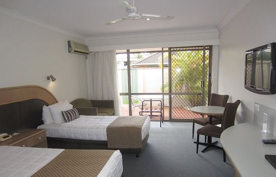 Room Macquarie Barracks Motor Inn