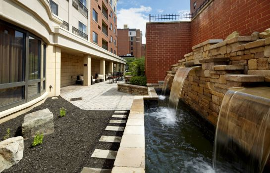 Exterior view Courtyard Pittsburgh Shadyside