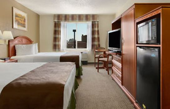 Room BAYMONT SUITES LOUISVILLE