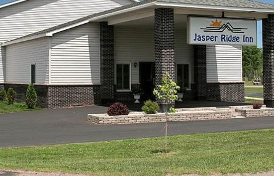 Vista exterior Jasper Ridge Inn Ishpeming