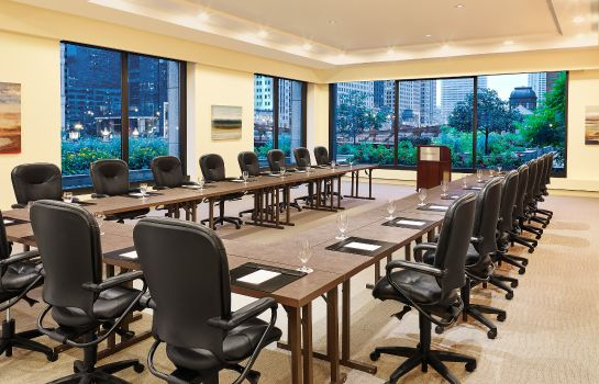 Conference room The Westin Chicago River North