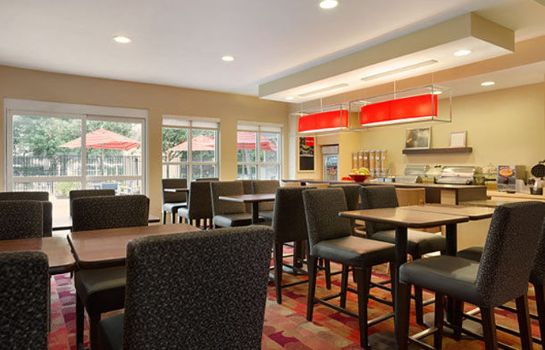 Restaurant TownePlace Suites Houston Brookhollow
