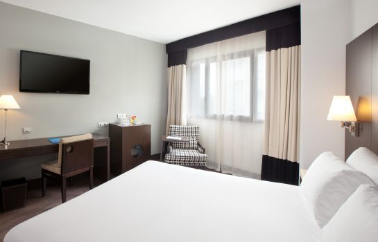 Double room (standard) NH Madrid Sur