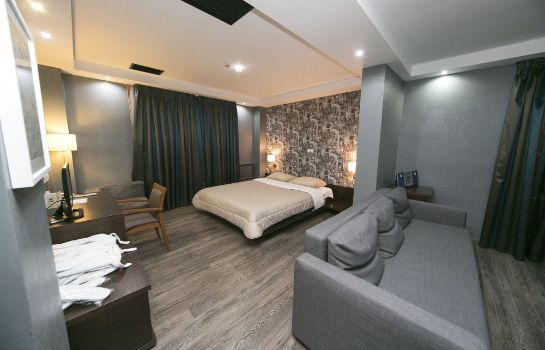Suite Athina Airport Hotel