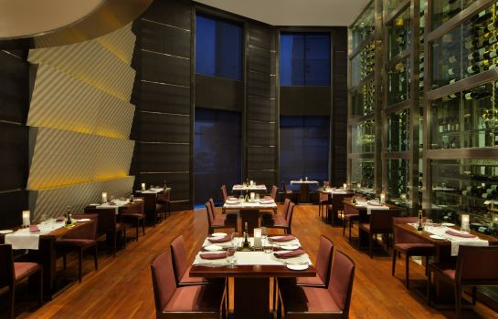 Restaurant RADISSON BLU DUBAI MEDIA CITY