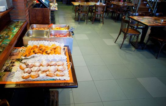 Breakfast buffet Subur