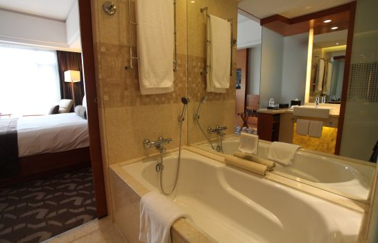Bathroom Swissotel Grand Shanghai