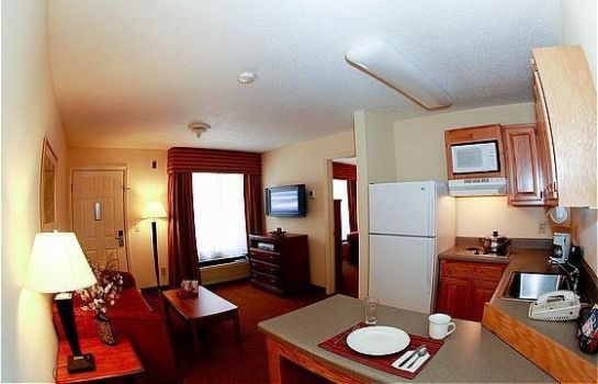 Suite HOME-TOWNE SUITES A