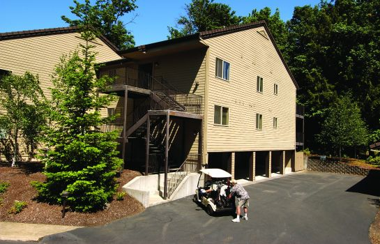 Vista exterior Whispering Woods Resort