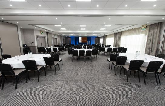 Conference room DoubleTree by Hilton Edinburgh Airport