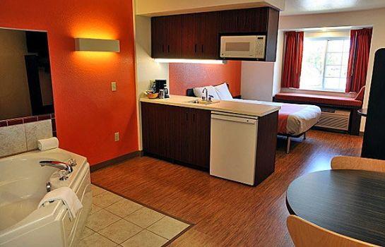 Suite MICROTEL HURON-CEDAR POINT