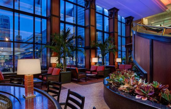 Hotelbar Amway Grand Plaza Curio Collection by Hilton