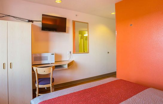 Room MOTEL 6 BERNALILLO