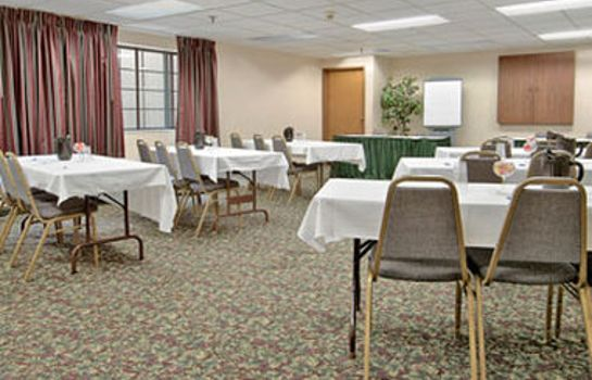 Conference room BAYMONT SUITES MADISON WEST