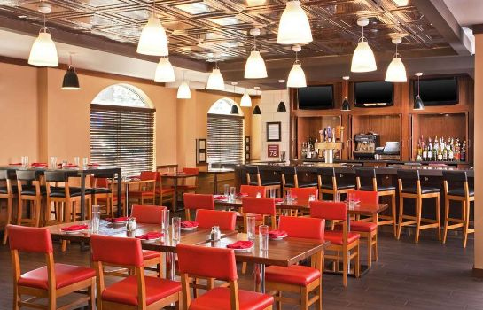 Restaurante Four Points by Sheraton Louisville Airport