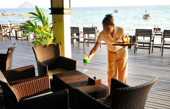 Hotel bar Holiday Inn Resort PHI PHI ISLAND
