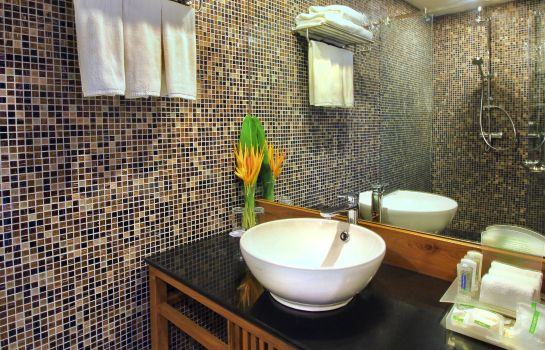 Bathroom Holiday Inn Resort PHI PHI ISLAND