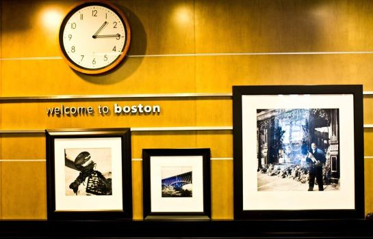 Hall de l'hôtel Hampton Inn - Suites Boston Crosstown Center