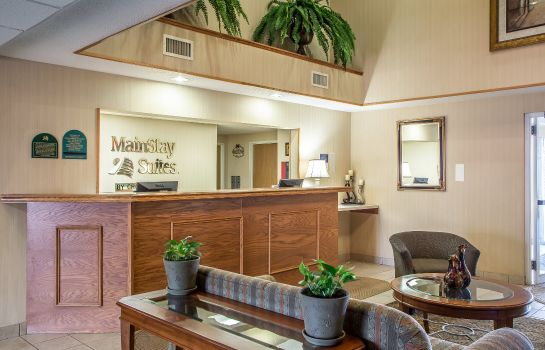 Hall MainStay Suites Cedar Rapids