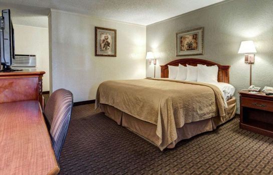 Suite Quality Inn & Suites Airport