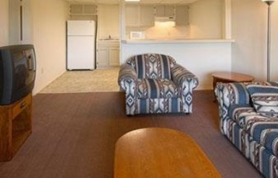 Suite HOWARD JOHNSON TULSA EAST