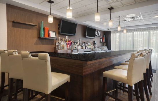 Hotel-Bar WINGATE BY WYNDHAM SCHAUMBURG