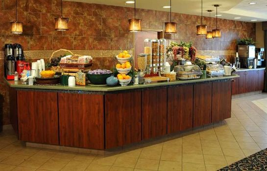 Restaurant La Quinta Inn Suites Airport Plaza