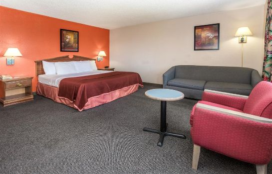 Suite HOWARD JOHNSON COLORADO SPRINGS