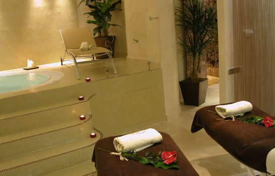 Massage room Beatriz Toledo Auditorium & Spa