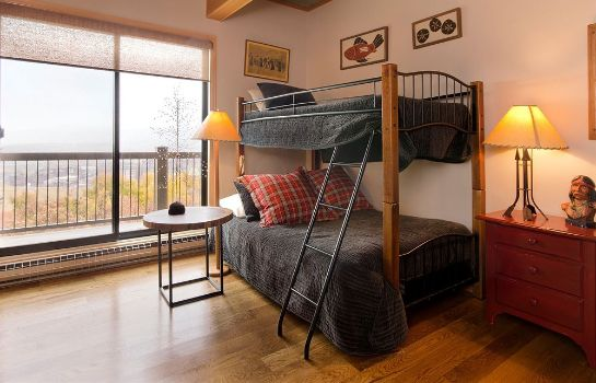 Camera standard Storm Meadows Club Condominiums by Mountain Resorts