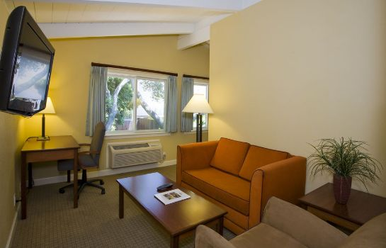 Informacja Red Cottage Inn & Suites