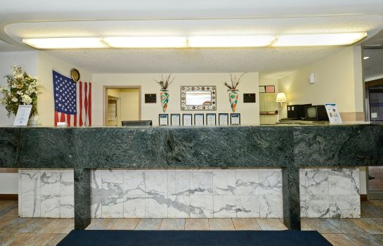 Lobby Americas Best Value Inn & Suites-Benton Harbor