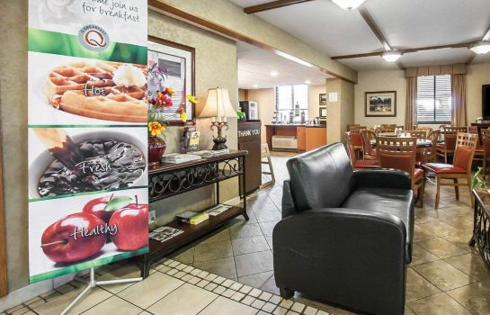 Hall Quality Inn & Suites North