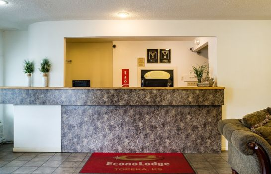 Hall Econo Lodge Topeka Blvd.