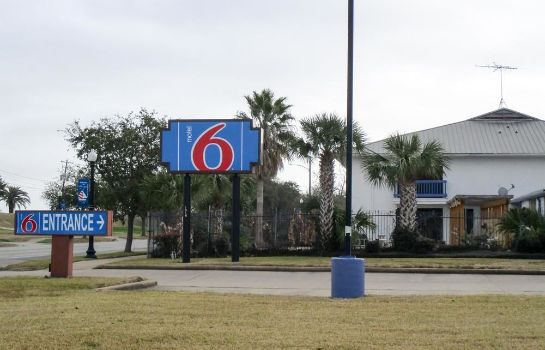 Vista exterior TX Motel 6 Freeport