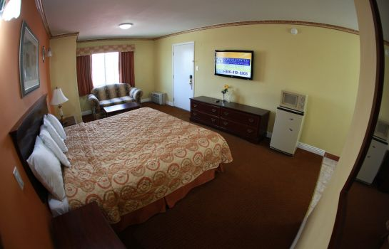 Suite GLEN CAPRI INN AND SUITES - SAN FERNANDO