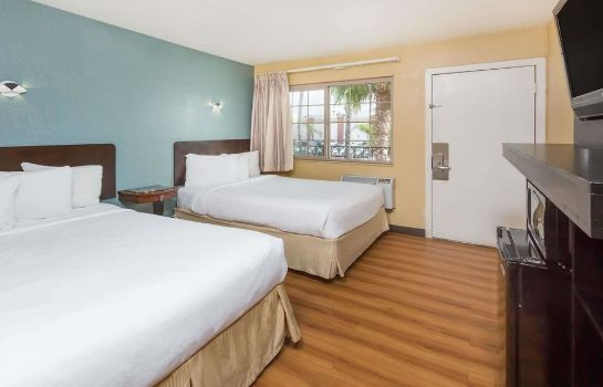 chambre standard Travelodge Oceanside