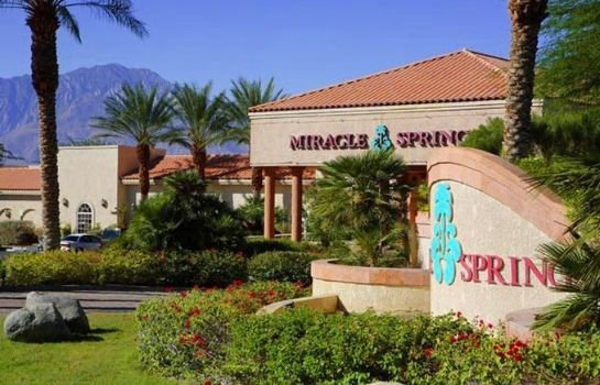 Vista exterior MIRACLE SPRINGS RESORT AND SPA