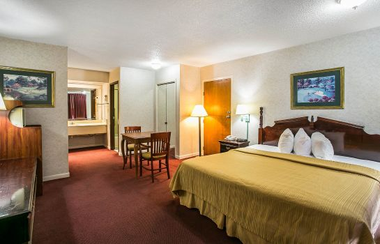 Zimmer Econo Lodge Downtown