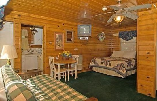Kamers GOLDEN BEAR COTTAGES
