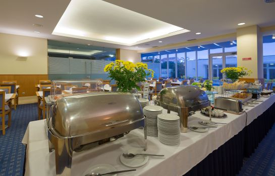 Breakfast buffet Vila Nova Hotel