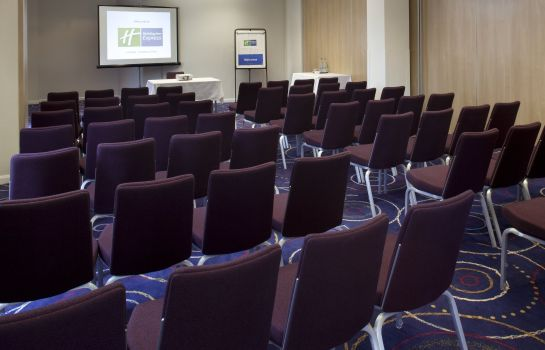 Conference room Holiday Inn Express LONDON - NEWBURY PARK