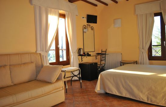 Four-bed room Borgo Antico