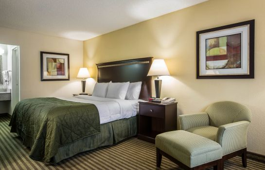 Zimmer Quality Inn & Suites Haywood Mall Area