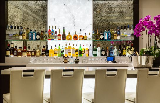 Hotel bar The Mosaic Hotel Beverly Hills