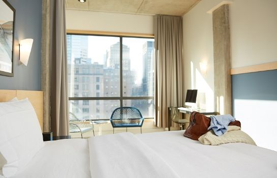 Suite LE DAUPHIN MONTREAL DOWNTOWN