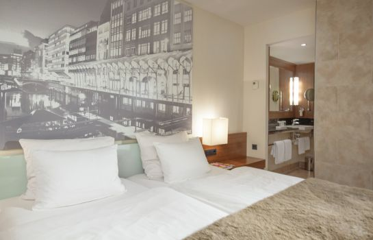Double room (standard) Lindner Hotel Am Michel