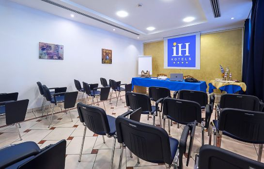 Meeting room IH Hotels Firenze Business