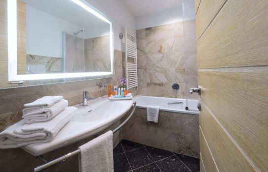 Bathroom IH Hotels Firenze Business